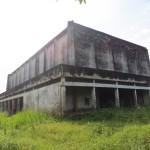vervallen theatre op basis Kananga